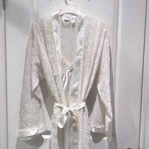 Shiney Flowing Robe and Night Gown